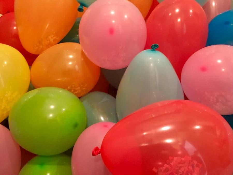 En los niños es posible que se presente angioedema peribucal tras inflar globos de látex